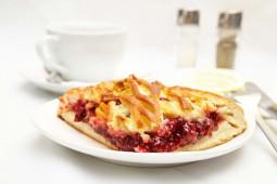 Пирог с брусникой, 1000 гр.