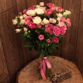 Букет кустовых роз мини