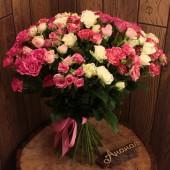 Букет кустовых роз стандарт
