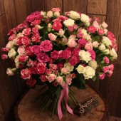 Букет кустовых роз макси